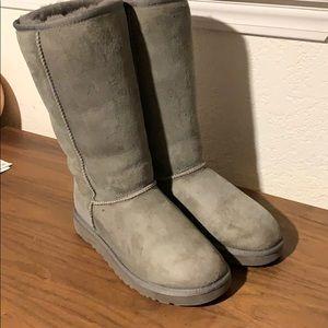 Grey UGG boots 7